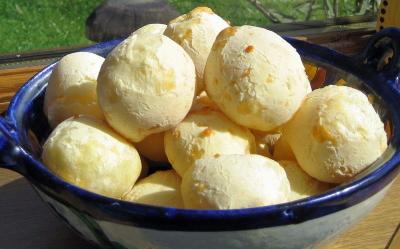 gluten free dough balls. pao de queijpo